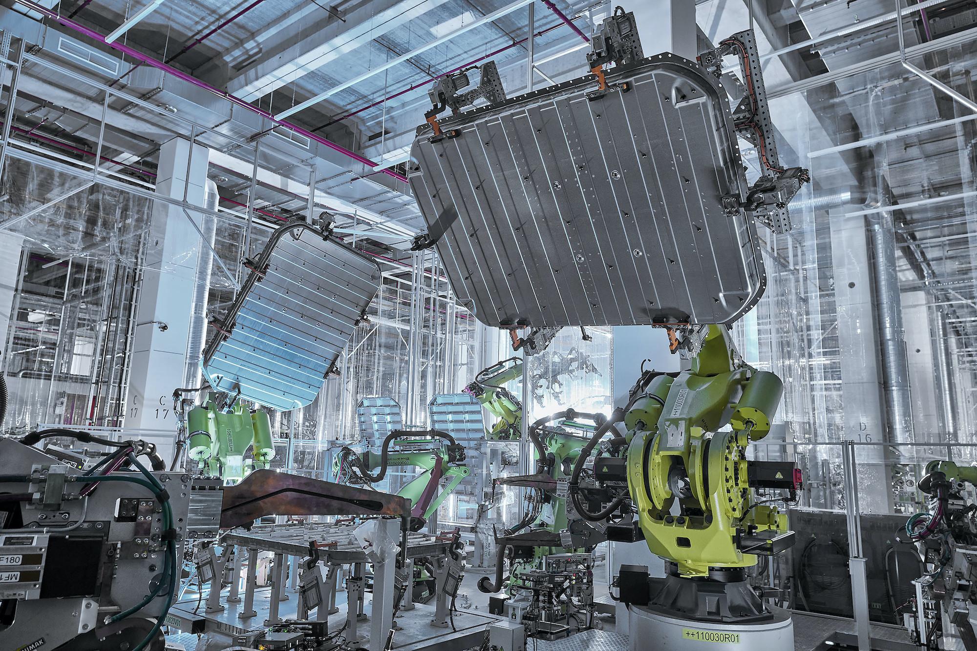 Moderna robotska proizvodnja Audi aluminijskih kosov