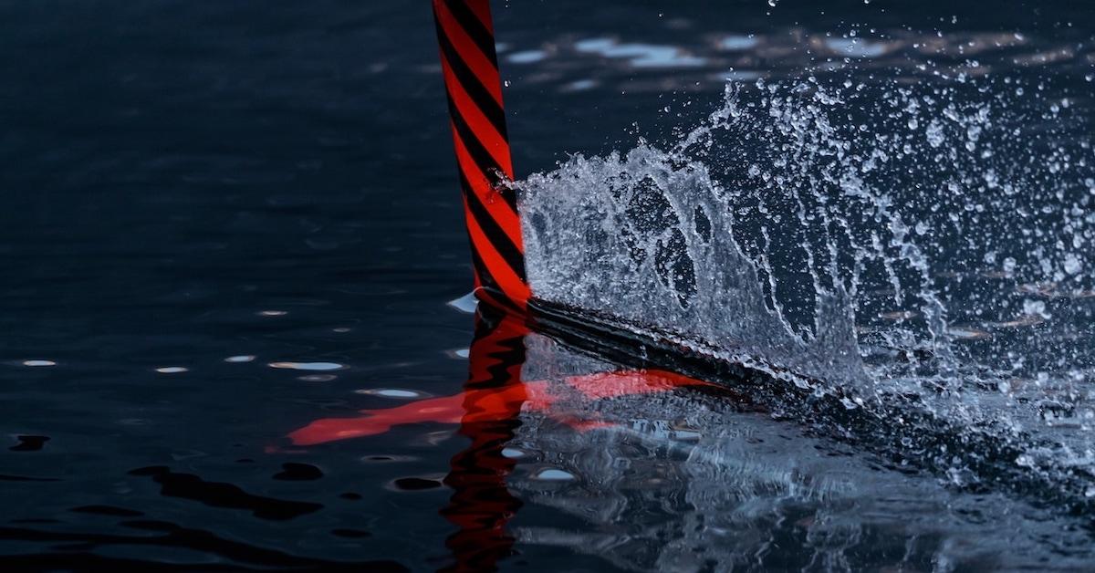 Audi hidrofoil deska v vodi