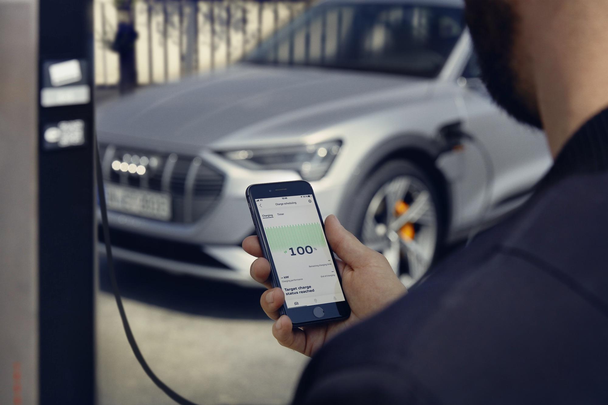 polnjenje električnega Audi e-trona