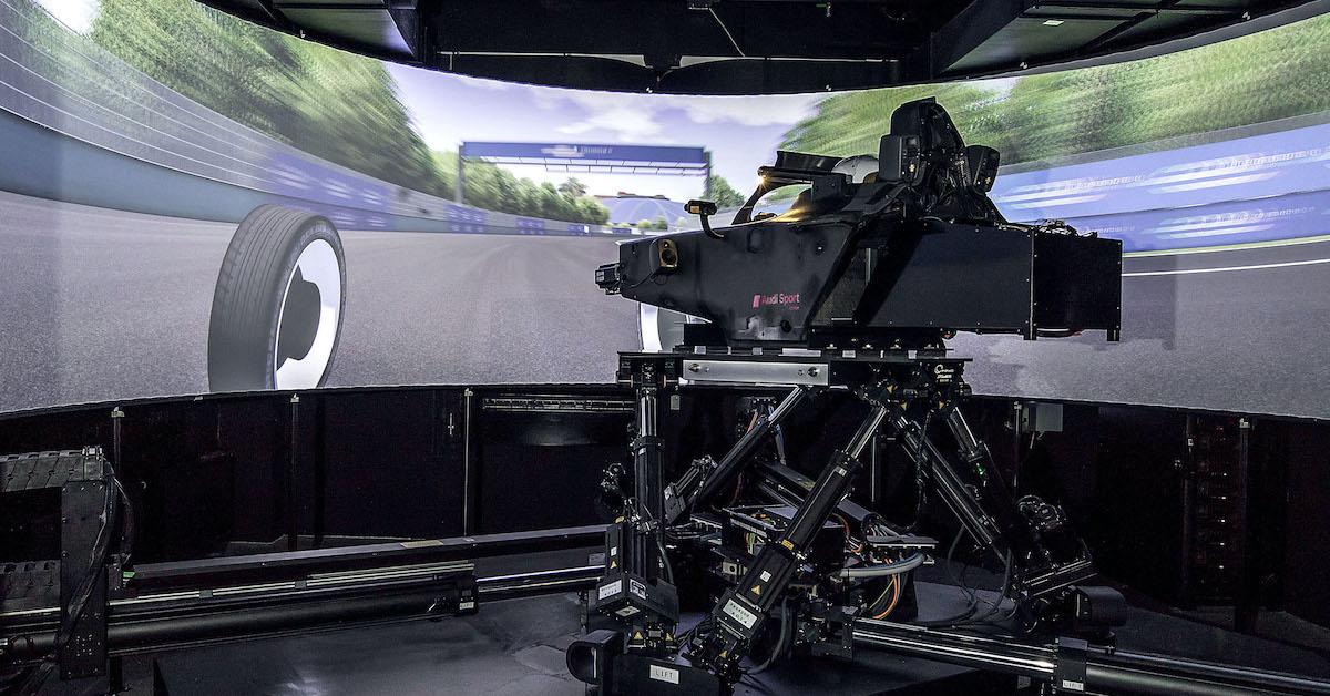 Audijeva ekipa Formule E se na dirke pripravlja z dinamičnim simulatorjem vožnje.