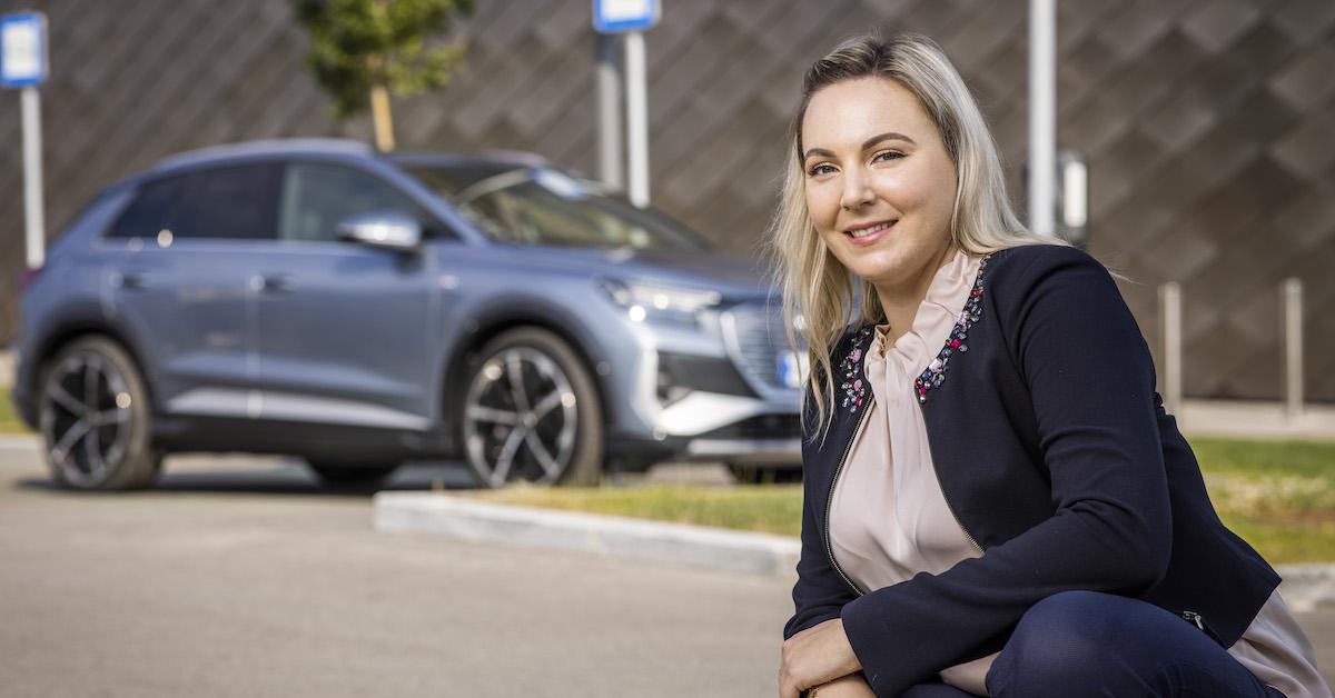 Sara fink, Audi