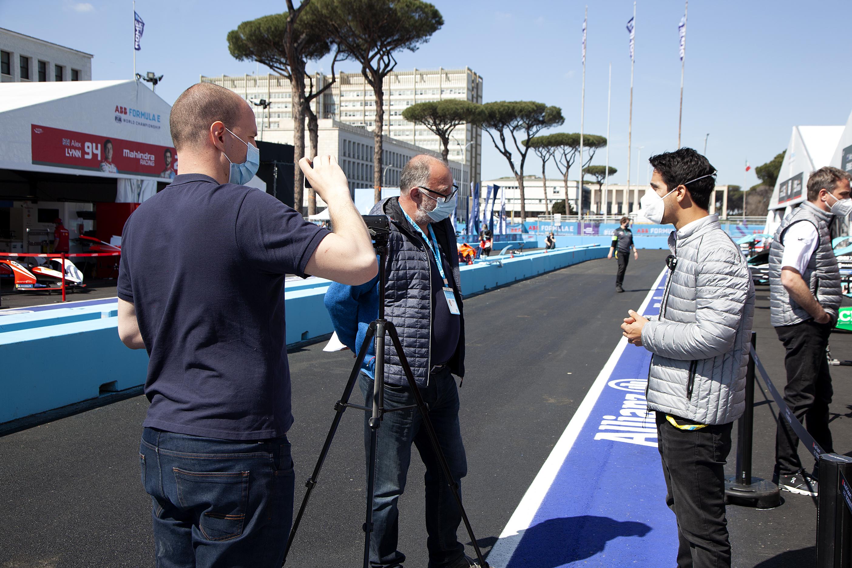 Intervju z Lucasom di Grassijem